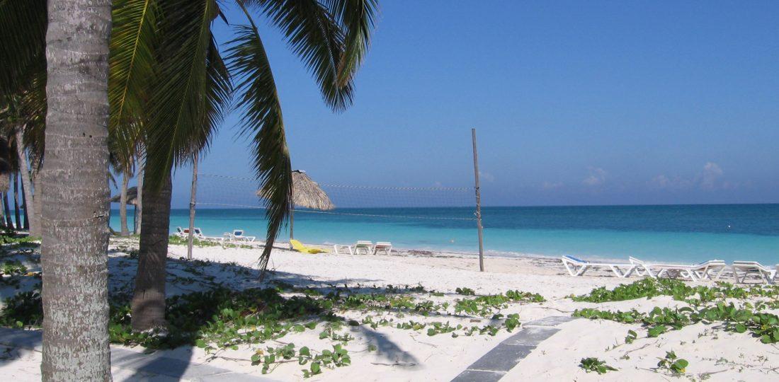 kuba-meer-strand-schirm